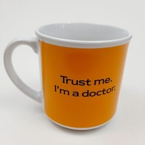 "VINTAGE ""Trust Me I'm a Doctor"" Coffee Mug"